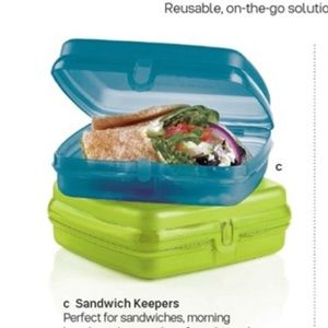 Tupperware- Sandwich Keepers - NWT